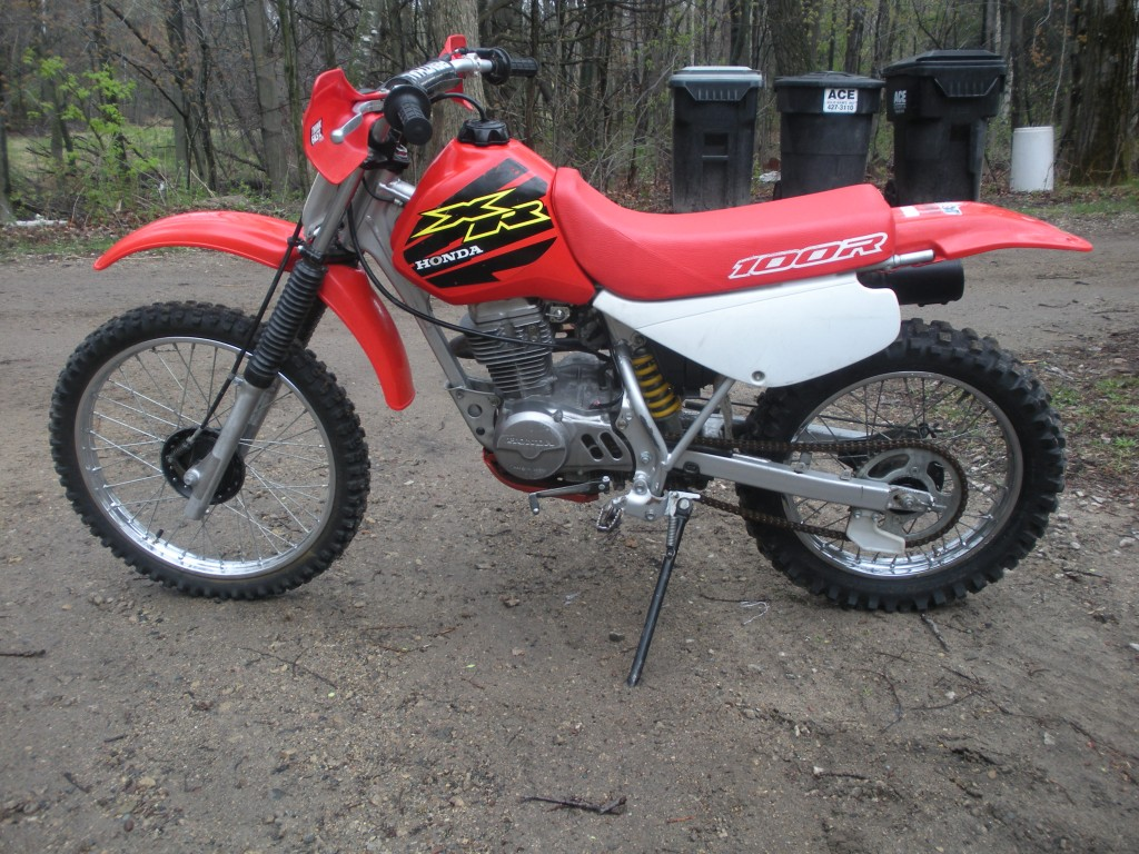 2000 XR100R 2 Best Used Dirt Bike For Beginners To Start Riding