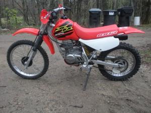 2000 XR100