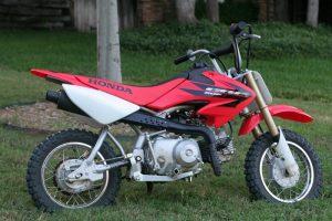 CRF50 Vs. PW50 Best Kids Dirt Bike CRF50 Vs PW50 - Best Kids Dirt Bike?