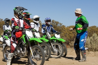 Can I Shift Without Using The Clutch On My Dirt Bike The 4 Ways To Learn How To Ride A Dirt Bike