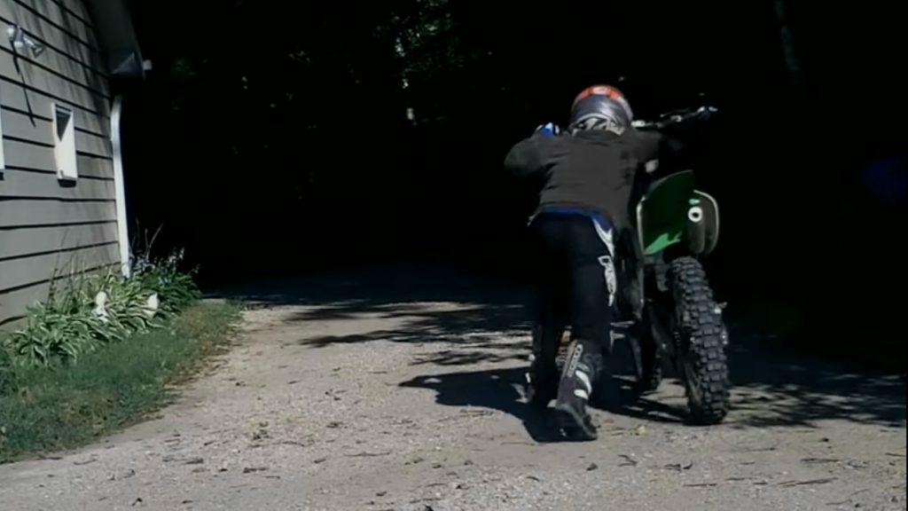 Tall beginner dirt bike Best Beginner Dirt Bike So That You Won't Crash & Get Hurt