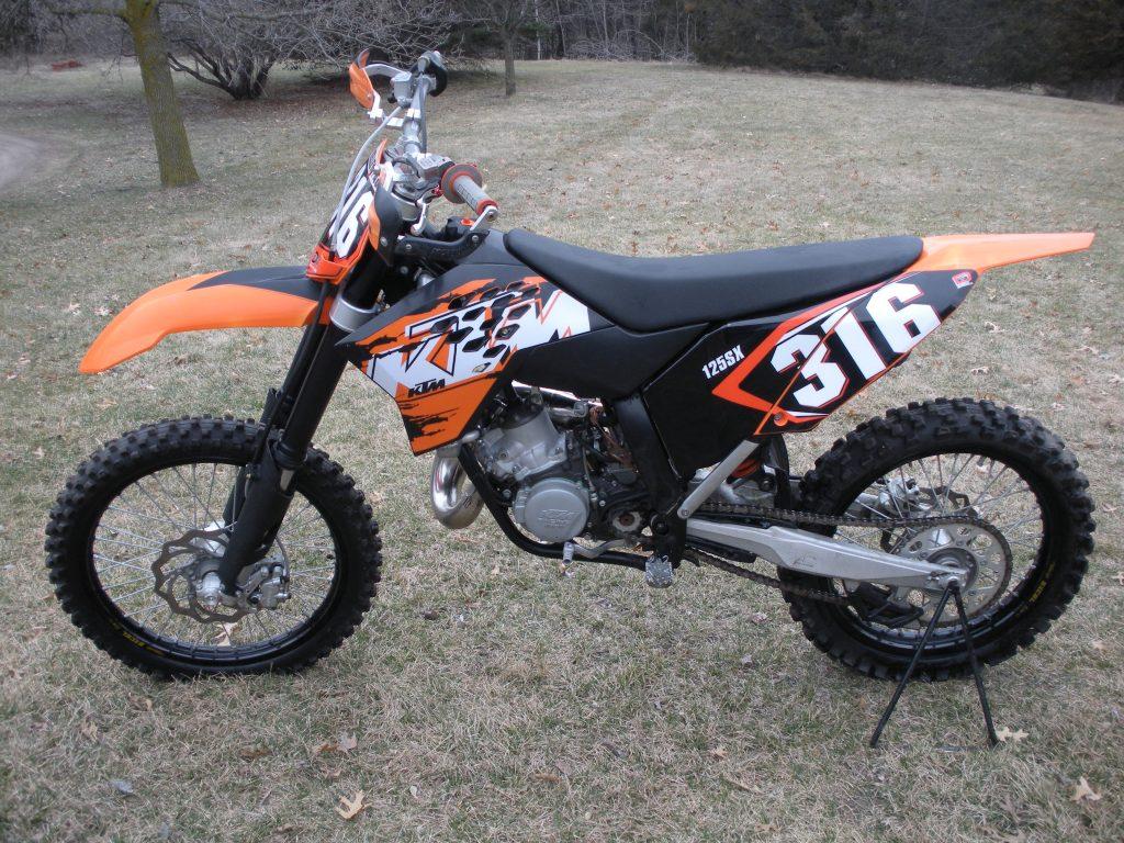 KTM 144SX Motocross Bike Motocross Bike vs Trail Bike: Which Dirt Bike Is Best?