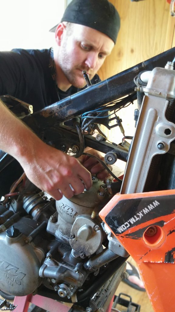 2 Stroke Top End Rebuild 2 2 Stroke Top End Rebuild - What To Expect & How To Do It