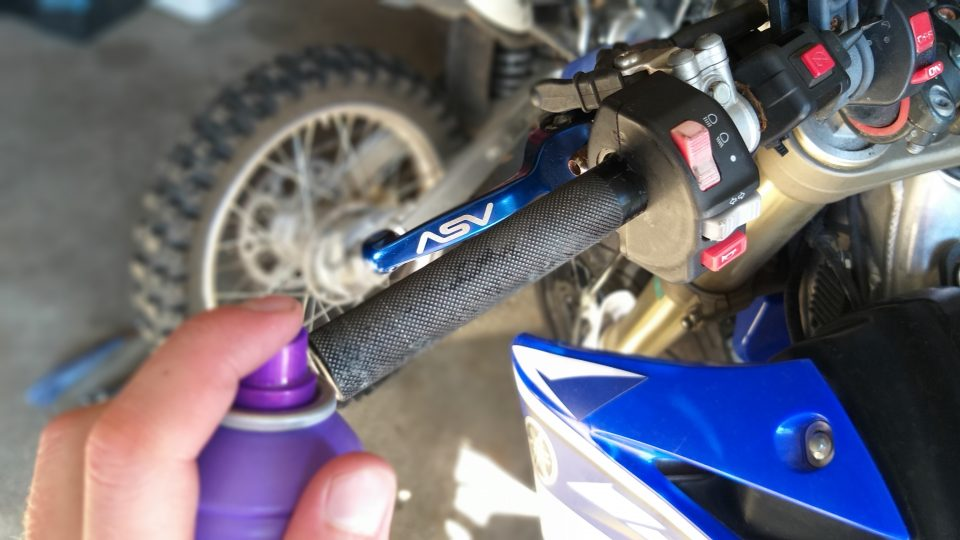 20200728 162145 How To Install Dirt Bike Grips With Bark Busters
