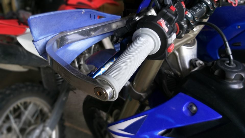 20200728 165959 How To Install Dirt Bike Grips With Bark Busters