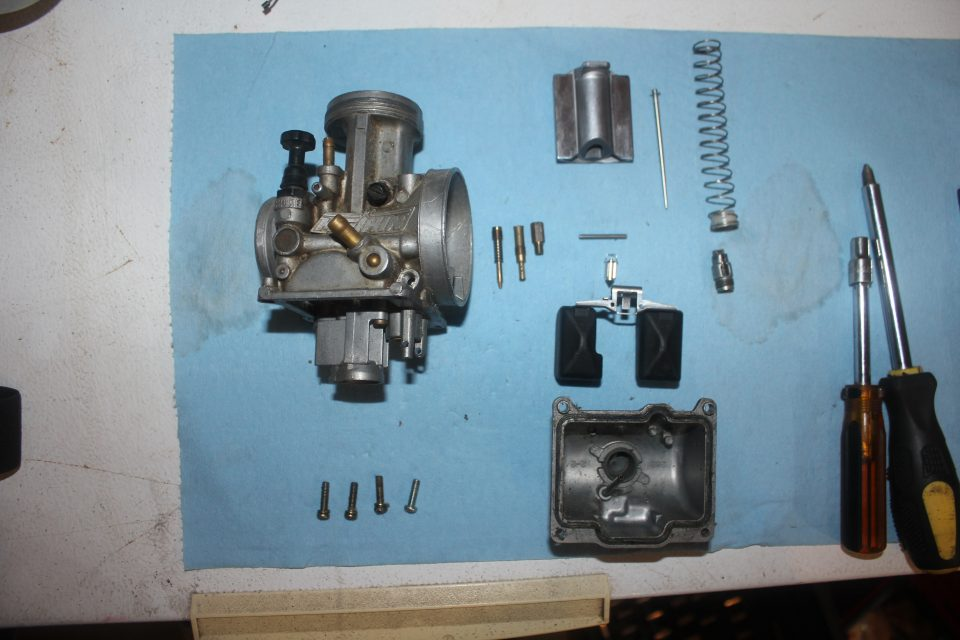 Keihin PWK Air Striker Carburetor torn down for cleaning