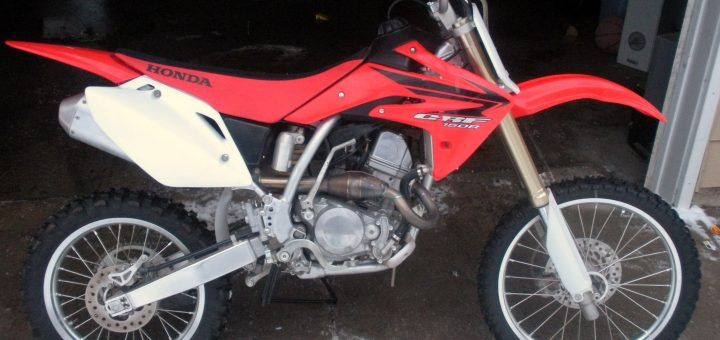 CRF150R with an aftermarket head pipe